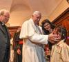 Papa Francesco incontra i rifugiati