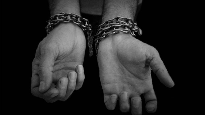 La tortura ora è reato. Previsti fino a 12 anni di carcere