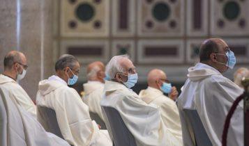 giubilei sacerdotali, sacerdoti con mascherina, post-covid, basilica San Giovanni, 24 giugno 2020
